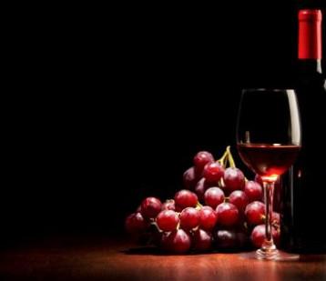 红酒不仅能喝 健康成分更可入药